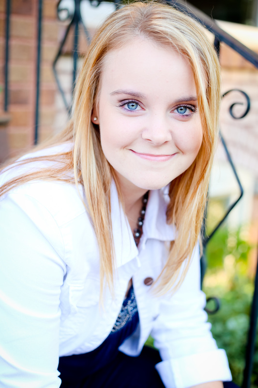Senior portraits in downtown Milwaukee by Kelsey Jorissen Photography