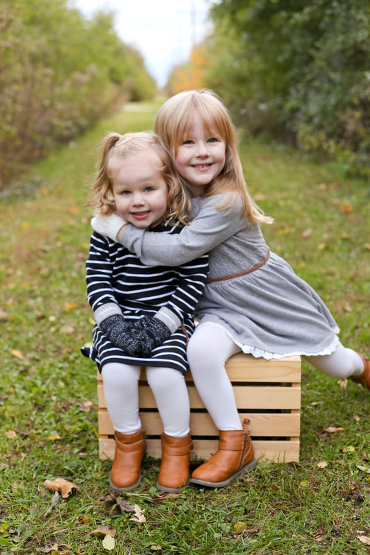 Perfect fall wardrobe, Franklin, WI mini session family portraits with Kelsey Jorissen Photography