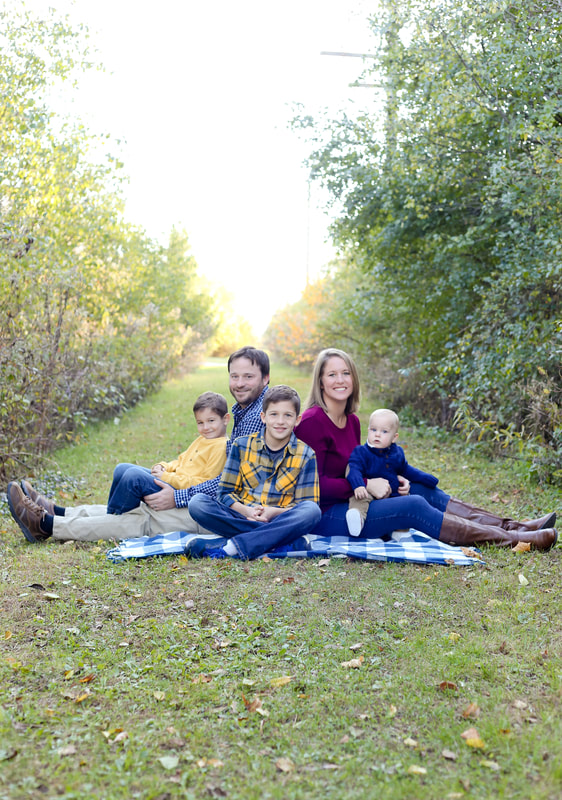 Franklin, WI family portrait session in the fall, by Kelsey Jorissen Photography