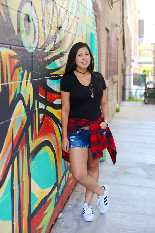 Artistic Senior Portraits in Black Cat Mural Alley by Kelsey Jorissen Photography