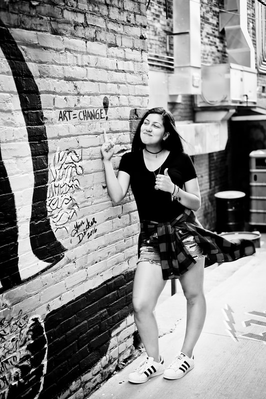 Artistic Senior Portraits in Black Cat Mural Alley in Milwaukee, WI by Kelsey Jorissen Photography