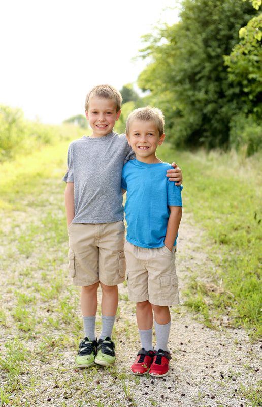 brother portraits on the farm in Sussex, WI by Kelsey Jorissen Photography