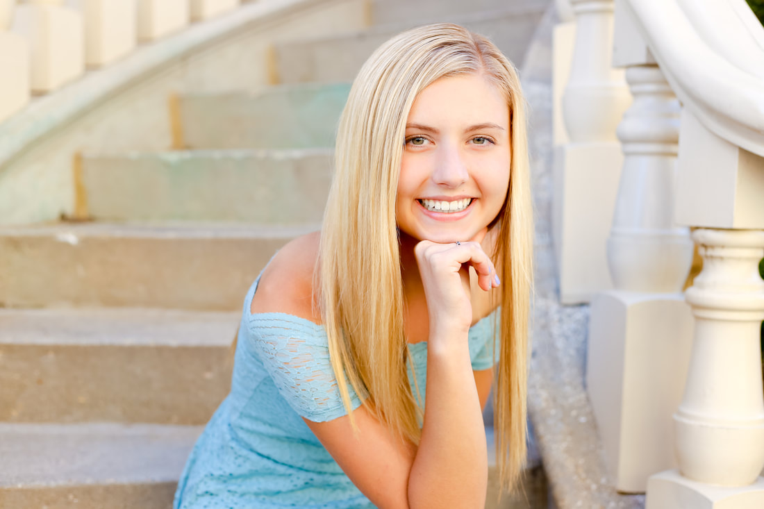 Senior Portaits in downtown Milwaukee by Kelsey Jorissen Photography